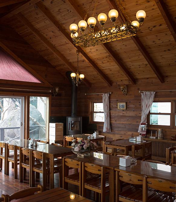 통나무집 내부 사진