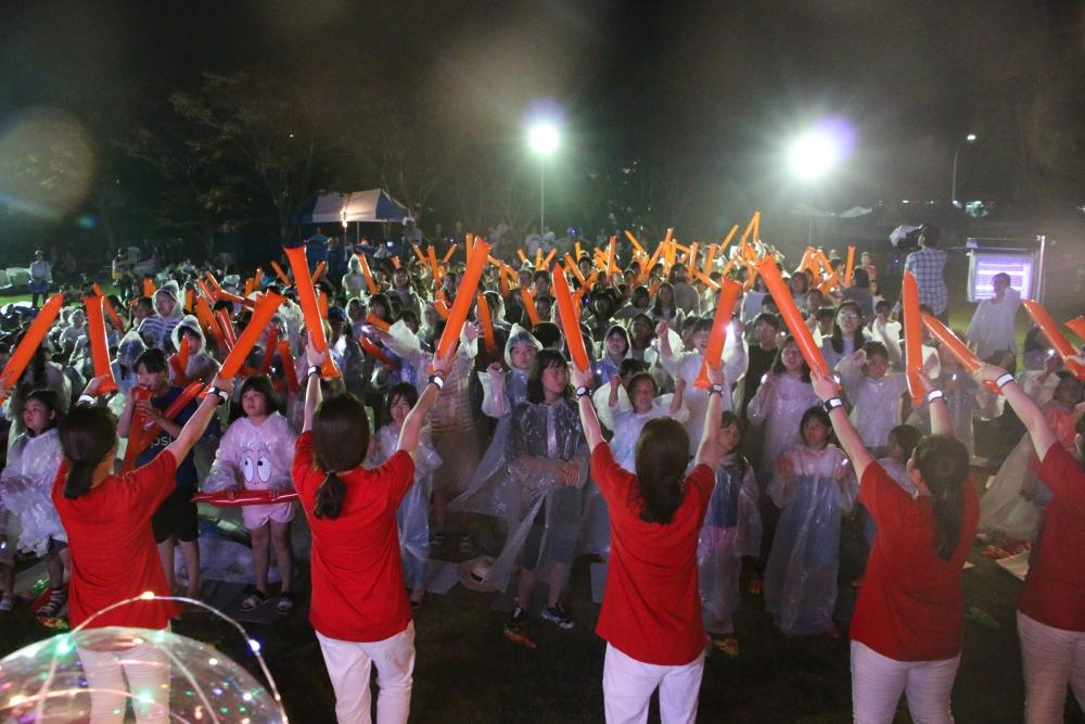 불빛팡팡 워터피아 축제에 참가한 어린이들