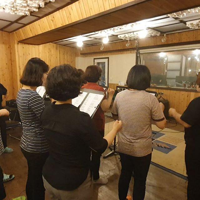 도촬하기ㅎ #천부교 체육대회 구호 녹음 중😎😎