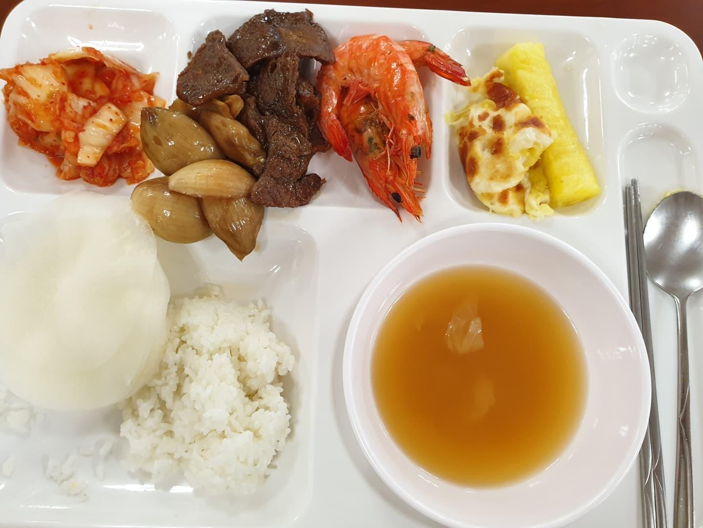 #신앙촌 #사원식당 #저녁식사   더 맛있게 담을걸~ #양념소고기 #대하 #김치 완전 짱!!! #고구마그라탕
